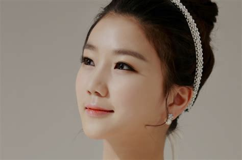 Korean Bridal Hair & Makeup Salons Wedding Day Excitement Quotes Flats Under Dress Poses With Friends Neutral Silk Bouquets Real Or Fake San Diego Sister