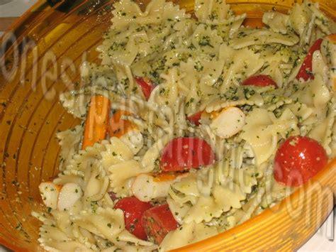 salade de p 226 tes papillon au surimi onestpasfatigue