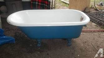antique old cast iron porcelain clawfoot bathtub for sale