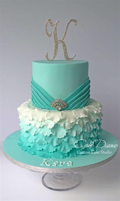 Cut strawberries, blueberries, raspberries, or blackberries make this cake naturally beautiful. Jade petal cake   16th birthday cake for girls, 15th birthday cakes, Sweet 16 birthday cake