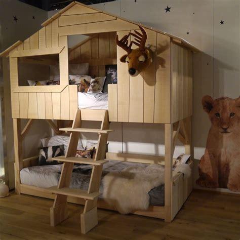 fabriquer bureau en palette lit cabane simple ou superposé en bois pour chambre d