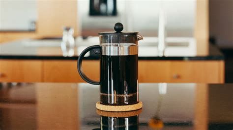 James hoffmann uses 30 grams of coffee to 500 grams of water for his french press brewing technique. Find Your Perfect French Press Ratio With This Coffee ...