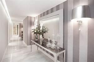 Bilder Für Flurgestaltung : vertikale streifen in silber und grau im flur floor pinterest vertikal flure und streifen ~ Sanjose-hotels-ca.com Haus und Dekorationen
