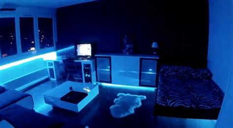 chambre led installation de led et néons dans une chambre décoration