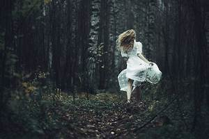 NOBILANGELO: PHOTO - GIRL RUNNING IN A FOREST | Ethereal ...