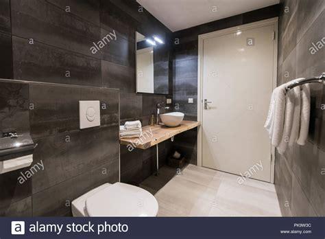 Moderne Badezimmer Flisen by Moderne Badezimmer Fliesen Mit Der Wei 223 En Und Grauen