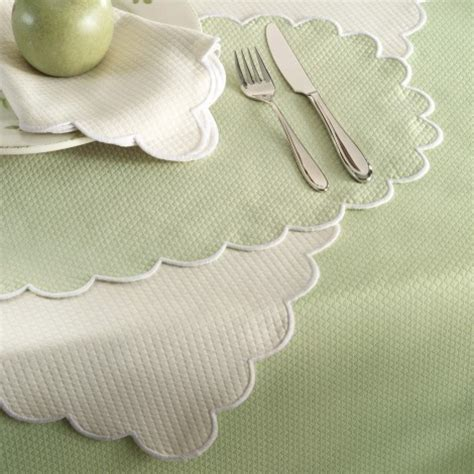 Matouk   Savannah Gardens Table Linens