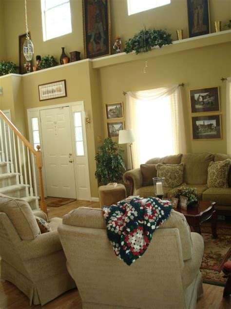 Decorating Ideas For Living Room Ledges by How To Decorate High Ledges In Living Room