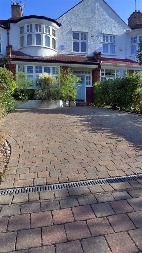Auffahrt Pflastern Ideen by 25 Best Ideas About Driveways On Cobblestone