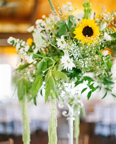 affordable wedding centerpieces    elevated