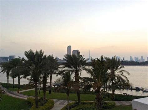 burj al chambre vue de ma chambre au loin la tour burj al khalifa