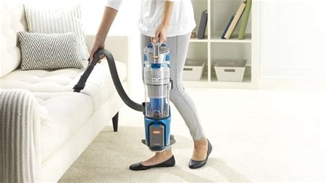 Best Lightweight Vacuum Cleaners 2018: 8 great portable ...