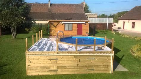 construction piscine hors sol avec terrasse