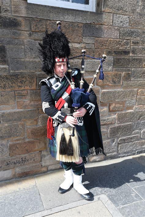 Behind Scottish Clichés: Bagpipes – Camerons Travels