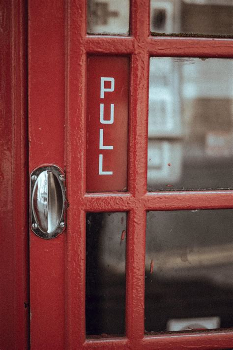 photo  red door telephone stocksnapio
