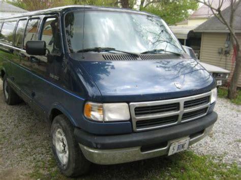 find   dodge  maxi van  ton extended van