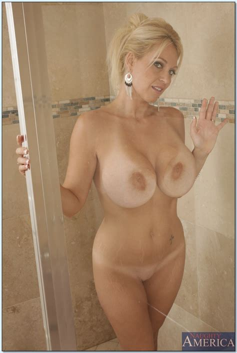 Charlee Chase Is Milf Babe Who Loves Spreading Her Legs In