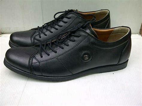 jual sepatu pantofel sepatu kerja sepatu casual sepatu