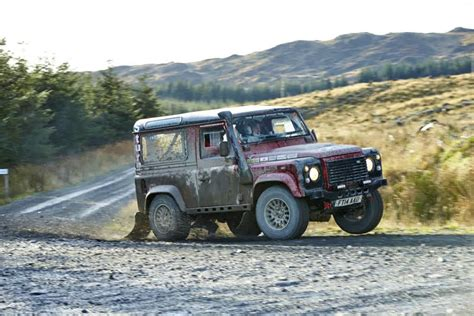 land rover defender 2015 4 mud sweat and tears defender challenge 4x4news home