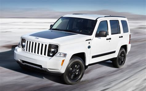 jeep liberty arctic for sale report jeep liberty production to shut down august 16