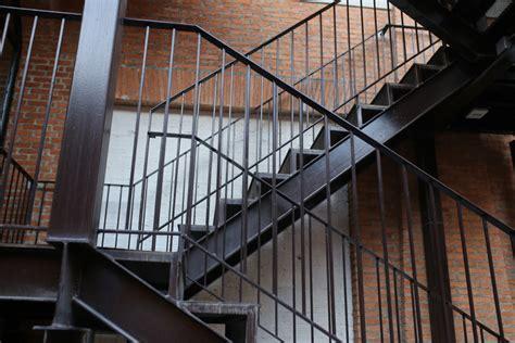 Außentreppe Aus Stahl » Preise, Kostenfaktoren Und Mehr