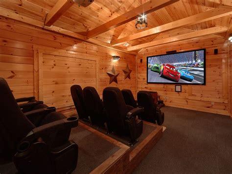 5 Bedroom Gatlinbug Cabin With Home Theater Vrbo