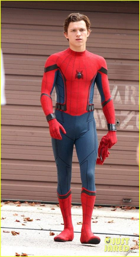 tom holland  buff  filming spiderman