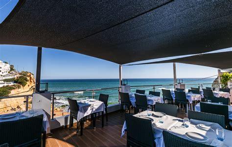 Views to dine for - INSIDE CARVOEIRO