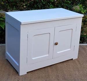 Petit Meuble Bas : petit meuble bas pour rangement ~ Teatrodelosmanantiales.com Idées de Décoration