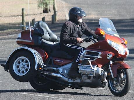 Honda Plans Threewheeler Motorcycle  Motorbike Writer