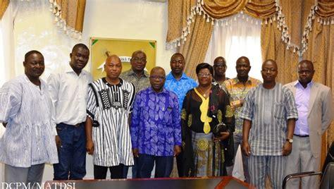 bureau conseil le conseil régional du centre prend conseil chez simon