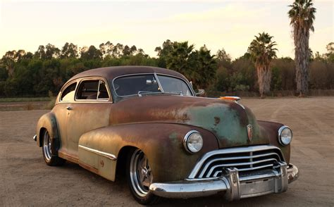 Coupe Cars : 1946 Oldsmobile Icon Derelict Coupe