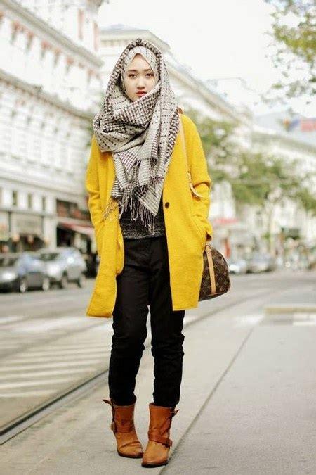 dress hijab  sepatu boot bikin kamu tambah modis