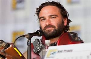 Johnny Galecki's 'Living Biblically' Ordered to Pilot at ...