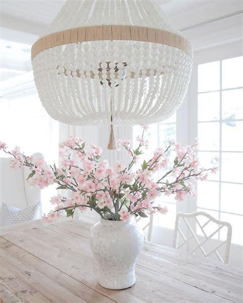 @JSLIFEANDSTYLE Coastal style. Hamptons style. White vase