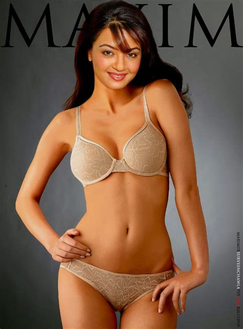 Surveen Chawla Hot Bollywood Hollywood Collections