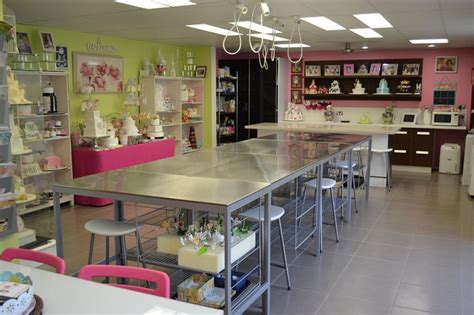pin  allison balfour  cake ideas   bakery