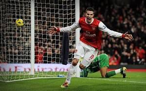 Soccer Arsenal FC Robin van Persie wallpaper | 2560x1600 ...