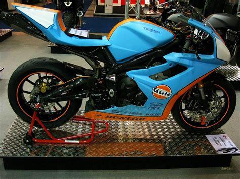gulf racing motorcycle triumph daytona 675 gulf livery gulf livery pinterest