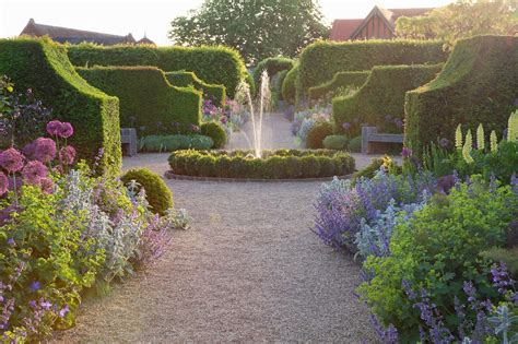 English Garden Of The Week