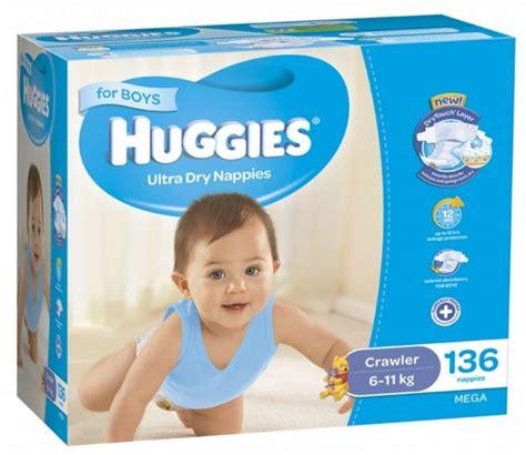 buy huggies nappies mega pack crawler boy 6 11kg 136