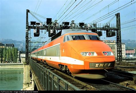 300 Kilometers Is How Many Mph by The 27th Of September 1981 The Tgv Line Opened To