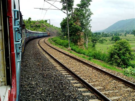 Delhi To Mumbai Train New Delhi To Mumbai By Rail Train Travel Gives Glimpses