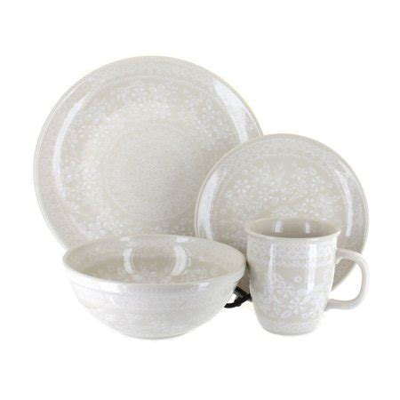 Polish Pottery White Lace 16 Piece Dinnerware Set