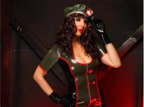 She Models Latex And Gloriuos Outfits For You