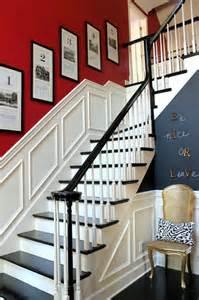 Escalier Noir Et Blanc Montessori by D 233 Co Entr 233 E Maison Cage D Escalier Et Couloir En 32 Id 233 Es