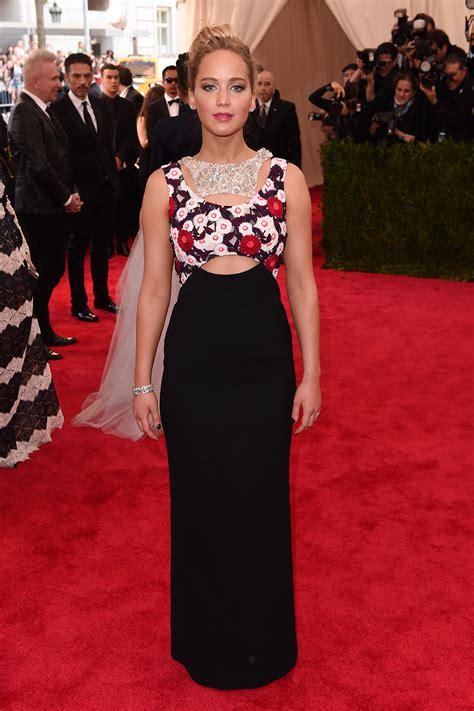 Jennifer Lawrences Met Gala 2015 Red Carpet Dress