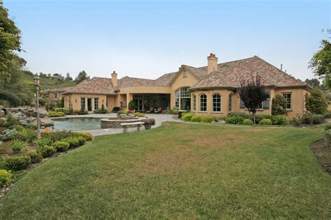 Luxury One Level Homes Quotes  House Plans #35191