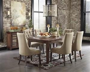 decorer l39interieur avec la chaise capitonnee archzinefr With meuble salle À manger avec chaise pour sejour