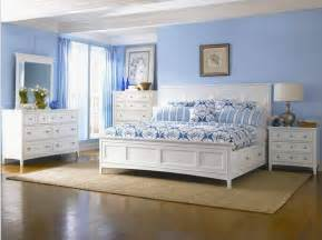 Bedroom Blue Walls White Furniture by Perks Of White Bedroom Furniture Sets Blogbeen